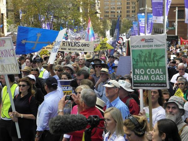 The largest anti-fracking demonstration yet confronted the state government in Sydney, Australia, on May 1. As many as 10,000 rural and urban activists marched to protect land and water from the Coal Seam Gas exploiters.